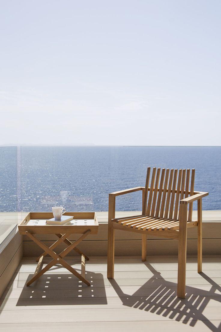 The Amze dining chair is made in #teak by skilled craftsmen. The Amaze series is designed by #DanishDesigners Foersom & Hiort-Lorenzen. #caneline #outdoor #gardenfurniture