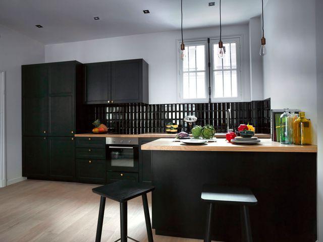 les 25 meilleures id es de la cat gorie cuisine ikea noire sur pinterest cuisine noir mat. Black Bedroom Furniture Sets. Home Design Ideas