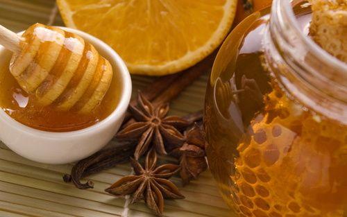 Обои Мёд в банке, соты, корица и апельсин