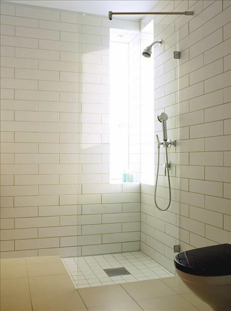 Contrasting Shower tile (ugly field tile)