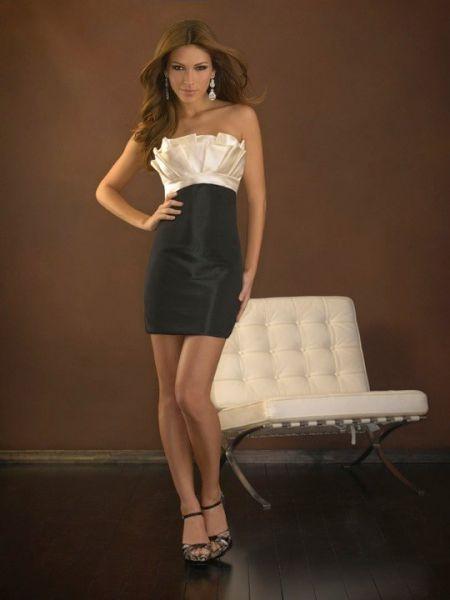 Vestido de Fiesta Corto combinado en blanco y negro.