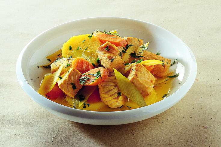 Salmone all'agro con verdure e zafferano