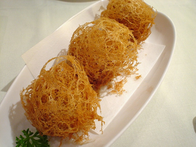 Deep-flied flakey pastrics filled with shredded  turnips from Lei Garden @ North Point in Hong Kong