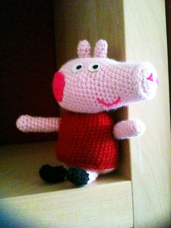 Knitting Patterns Peppa Pig Toys : Amigurumi Peppa Pig Crochet Pattern by profairy on Etsy, ?3.50 Crochet Pi...