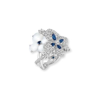 Hortensia collection | one of the most beautiful engagement rings
