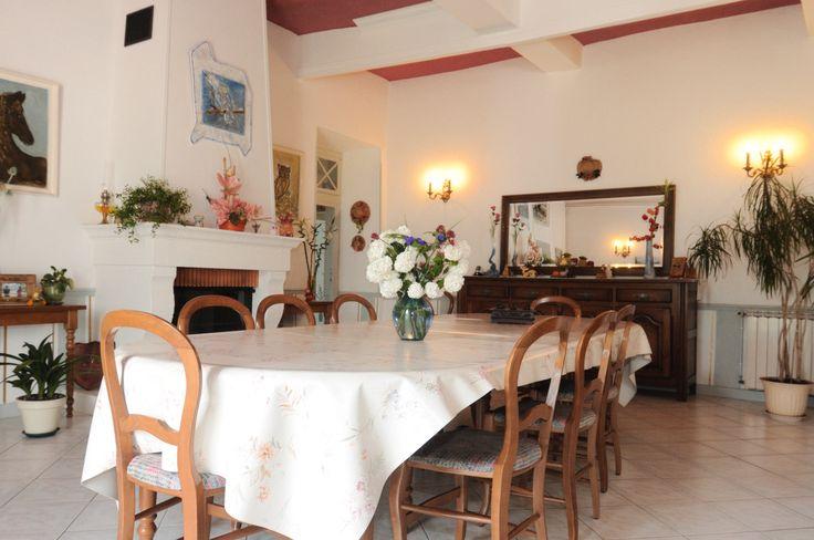Salle à manger pour repas et petit déjeuner...