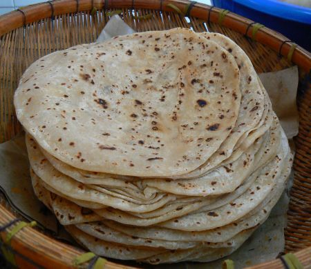 How to make Chapatis (sort of like Indian tortillas) in 7 steps