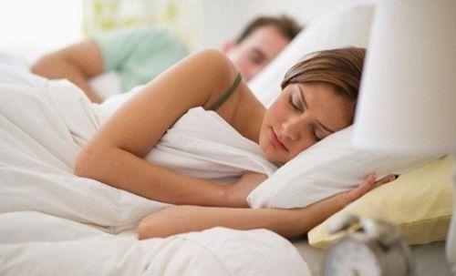 Un remède naturel pour que vous et vos enfants puissiez mieux dormir