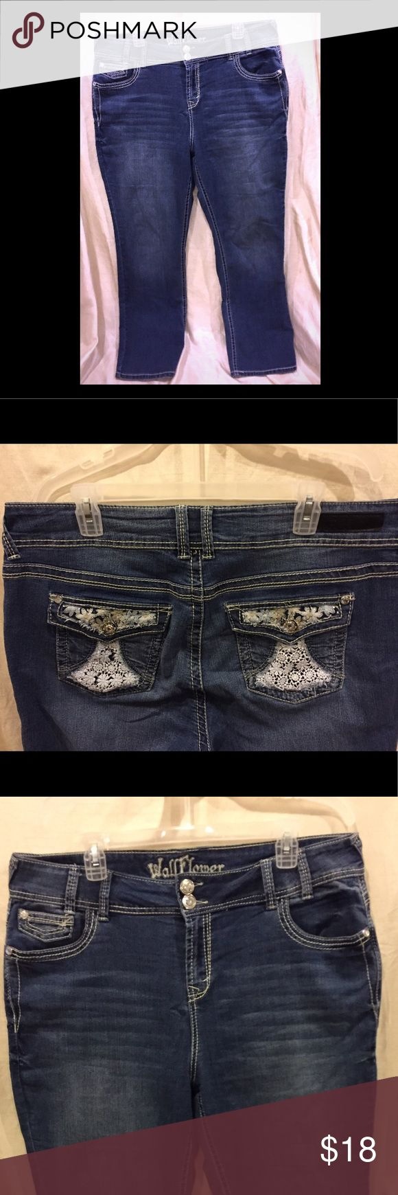Wallflower Embellished jeans size 16 Wallflower straight leg Jean size 16 Please see pictures for details. GUC Wallflower Jeans Straight Leg