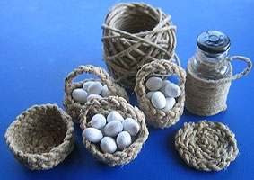 Talleres y trucos para miniaturas: Baskets from string - Spanish