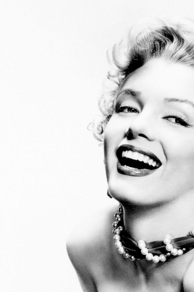 Marilyn Monroe photographed by Bernard of Hollywood, 1952