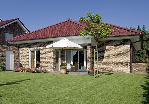 bungalow landhaus rhone ein fertighaus von gussek haus bungalow pinterest haus und. Black Bedroom Furniture Sets. Home Design Ideas