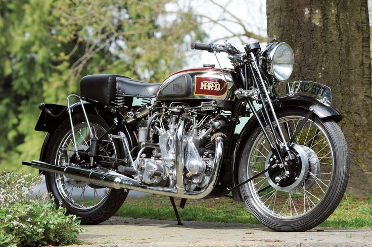 1939 Vincent Series A Rapide. Powered by a 998cc air-cooled OHV - V-twin giving a top speed of 110 mph