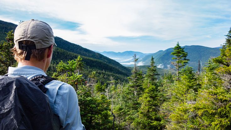 Les White Mountains riment souvent avec mont Washington. Pourtant, à l'ombre du géant, se cachent plusieurs sommets dignes d'y mettre le pied. Établissez un camp de base dans les environs de la ville de Gorham, au New Hampshire, et partez à leur découverte !