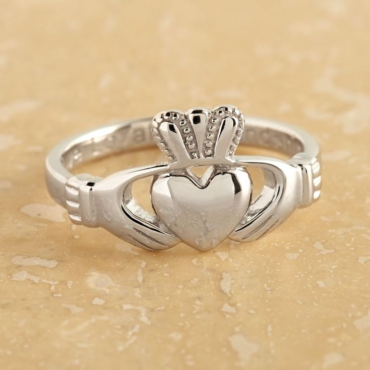 Fabuleux The 25+ best Silver claddagh ring ideas on Pinterest | Irish heart  WN28