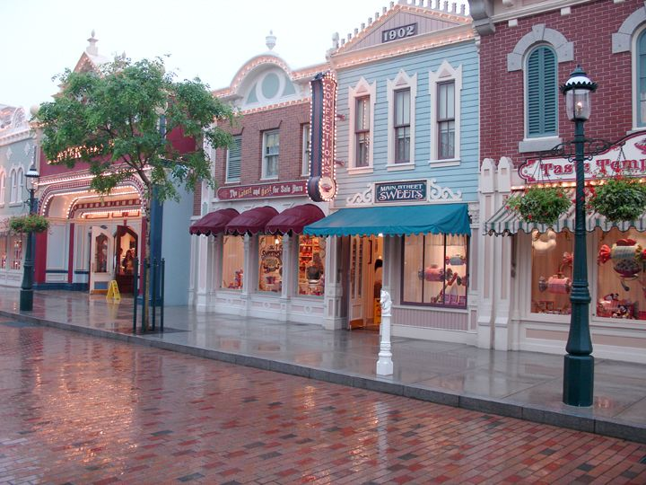 Main Street, Disneyland,I love this shot!