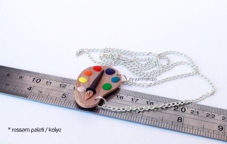 Ressam Paleti / kolye  #fashion #design #miniature #food #art #miniaturefoodart #polymerclay #clay #minyatur #polimerkil #kil #nutella #tasarim #taki #sanat #moda #sokak #tutorial #yummykupe #mold #kalip #nasil #bileklik #kolye #kupe #yuzuk #aksesuar #kadin #ring #earring #accesorie #necklace #ressampaleti #palette #colour