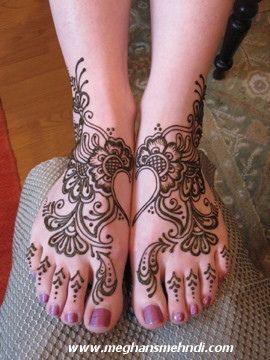 happy feet ! Love Henna !!!