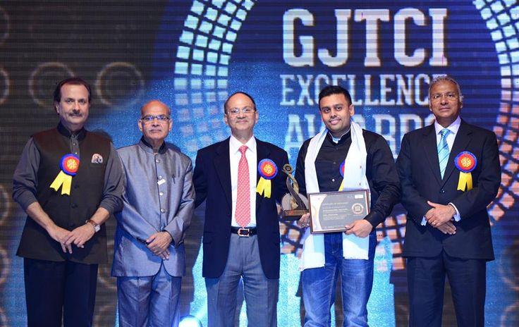Ketan Narendra Chokshi- Narayan Jewellers won the GJTCI Excellence Award for Retailer- Diamond Jewellery. Award was presented by Shri Rajiv Arora, Shri Shantibhai Patel, Shri Vikram Merchant