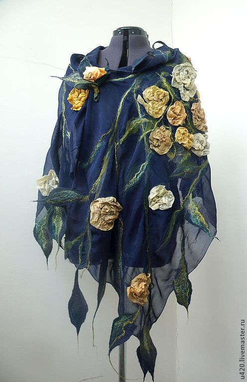 """Шали, палантины ручной работы. Ярмарка Мастеров - ручная работа. Купить Валяный палантин """"Чайные розы"""". Handmade. Цветочный"""