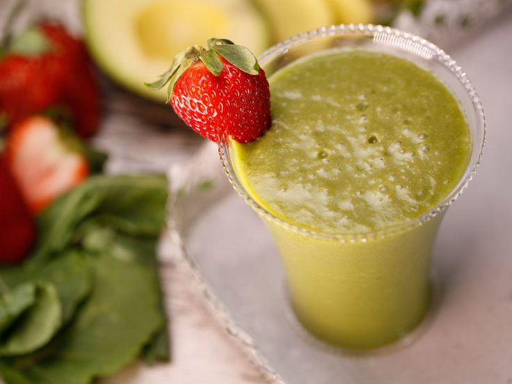 Did+you+know+Silk®+has+a+ton+of+Smoothie+Solutions,+like++this+one+for+Strawberry+Kale+Smoothie?+http://www.drinksilk.ca/recipes/strawberry-kale-smoothie