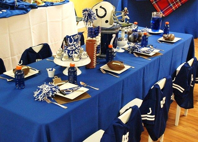football party clipboards under plates