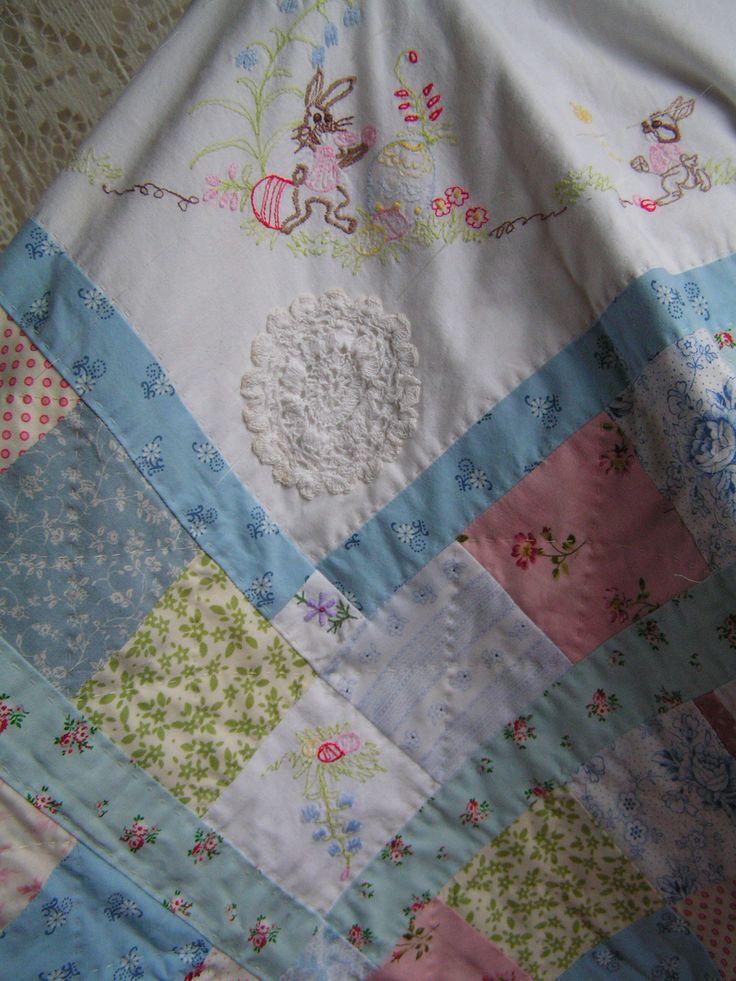 een paasquiltje in wording van oude en nieuwe stofjes gecombineerd met stukken van geborduurde tafelkleedjes by Sylvia Extra