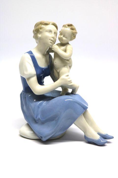 Schöne Porzellan Figur Frau mit Kind der