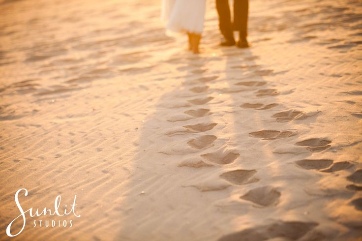 Beach Photo idea, Footprints in the sand, Bride and Groom footprints