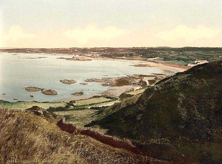 Channel Isles, Guernsey, Rocquaine Bay.jpg 800×590 pixels