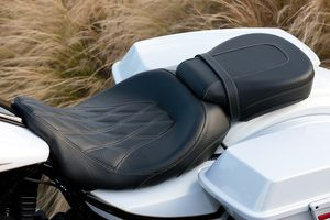 2012 Harley-Davidson CVO Road Glide Custom Review: Specifications, Who Should Buy the 2012 Harley-Davidson CVO Road Glide Custom?