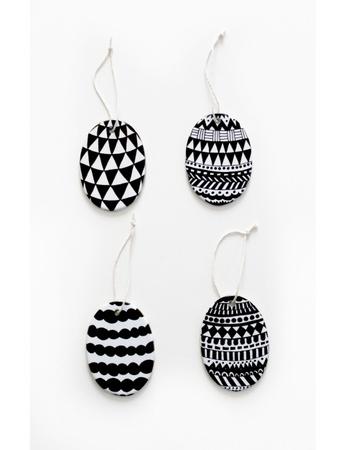 "Porselenspynt ""Egg"" (4 stk) Easter decoration Eggs Grapich"
