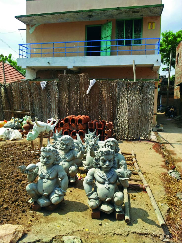 The sculptors of Velachery's potters' colony produce hundreds of idols for Navratri celebrations. Photo: Kamala Thiagarajan