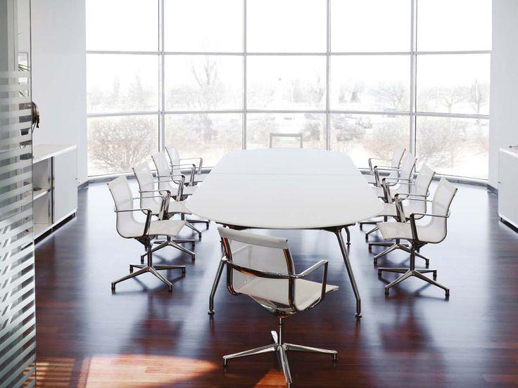 Mesa Unitable en cristal retropintado, silla reunión Una Chair en piel y armario AWS. (Espacio Aretha agente exclusivo para España).