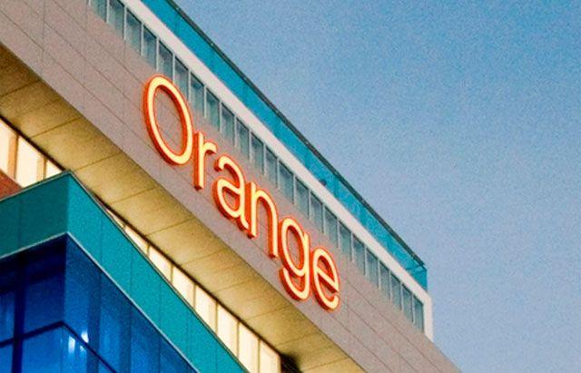 Nuestra columna T&T de hoy en Diario Libre: Altice fusionará Orange y Tricom en una sola empresa http://www.audienciaelectronica.net/2013/11/28/altice-fusionara-orange-y-tricom-en-una-sola-empresa/