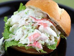 Zelf salades maken (saté, kipkerrie, krabsalade)