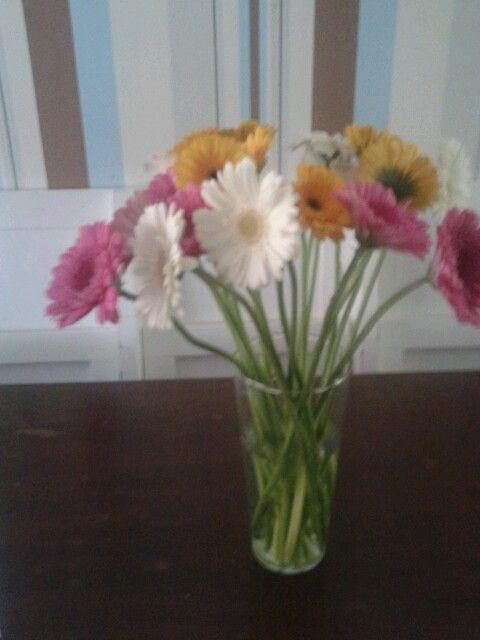 Een bosje bloemen van een vriendin
