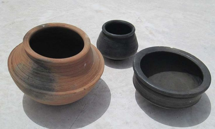 Mitti Clay terracotta Cooking Ware - Clay Roti Tawa, Bajra Roti ...