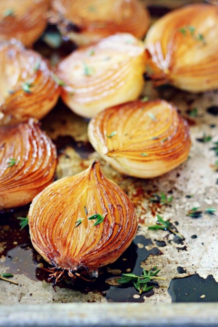comment faire des tapas, oignon caramélisé avec un mélange d huile d olive, vinaigre de balsamique, vin blanc, sirop d érable
