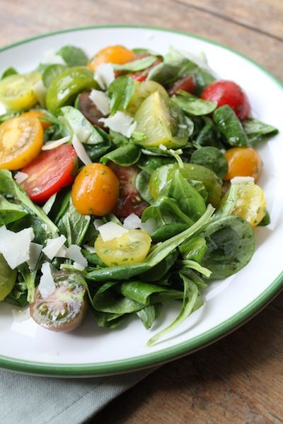 Tomaten salade met basilicumdressing/ Tomato Salad with a Basil Dressing (recipe is in Dutch)