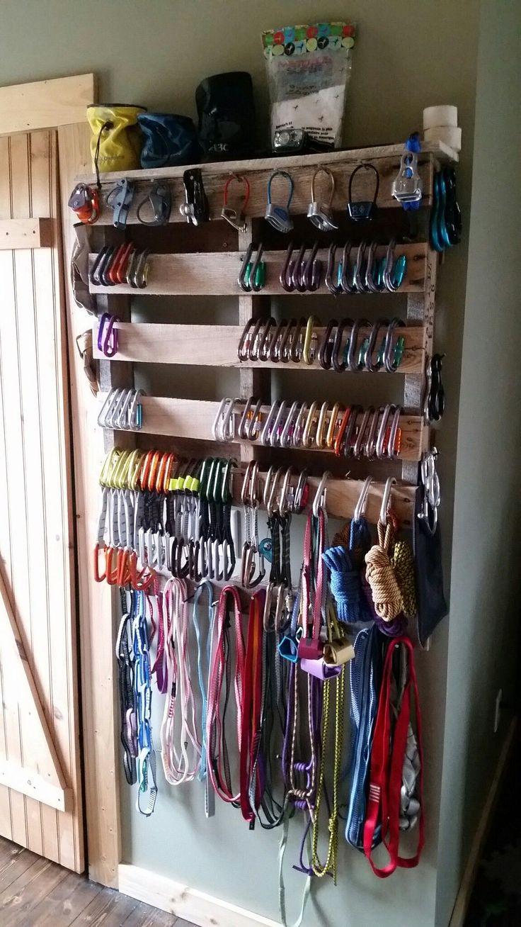 Climbing gear pallet organizer #palletscloset (pallets ...
