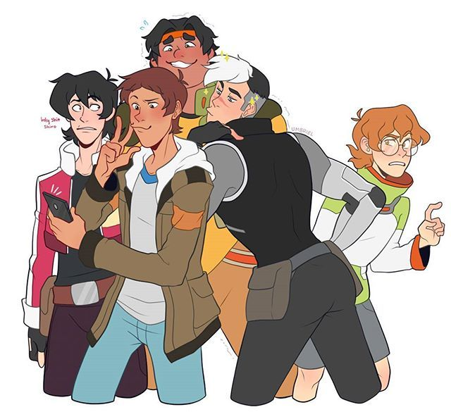 Pidge: Guys, shouldn't we be on the lookout for Galra battleships? Guys?? What…