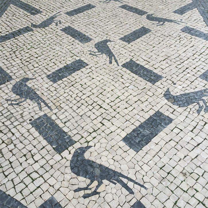 Calçada portuguesa na entrada da loja do Intendente. Crédito: Flávia Motta
