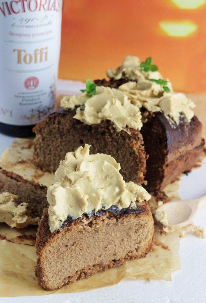 http://ostra-na-slodko.pl/2016/07/26/ciasto-czekoladowe-z-kajmakiem-i-kremem-toffi-bardzo-szybkie/
