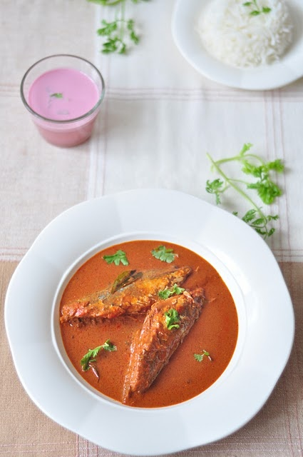 La maestosità del riso al curry, ancora più buono se accompagnato da riso piuttosto che da naan (de gustibus chiaramente).