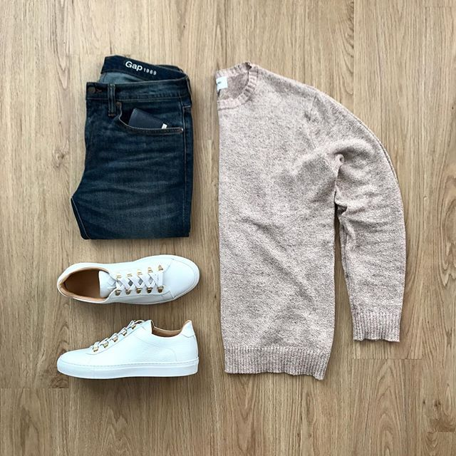 It's a jeans and light sweater kind of evening in LA. Featured is the @hydenyoo Sean Crewneck Sweater (currently on sale for $30!). Use promo code HY20 to get 20% off your purchase! Rate this outfit 1-10 below! ⤵️ Wallet: @ferragamo Shoes: @koiocollective Gavia Bianco Jeans: @gap • • • • • • • #menstyle #lastyle #mensfashion #bananarepublic #forever21 #gap #asos #hm #clubmonaco #jcrew #zara #expressmen #armaniexchange #adidasnmd #uniqlo #nordstrom #japanesestyle #streetstyle #nyfashion…