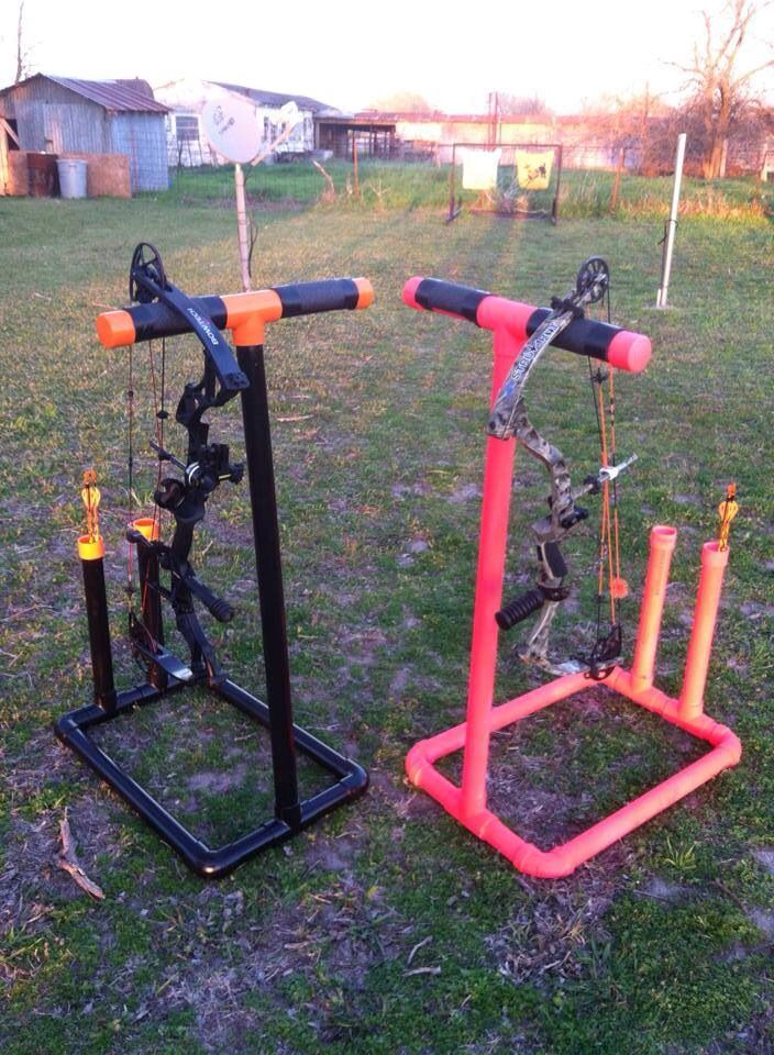 Is this not genius?!?! Homemade bow stands with a built in quiver! I need this in my life!