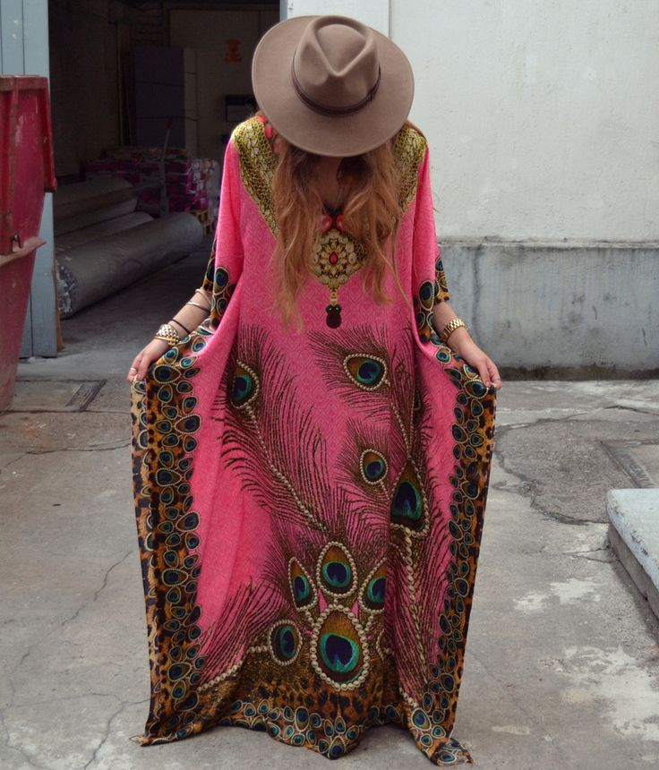Peacock silk kaftan & Akubra hat. Gorgeous!