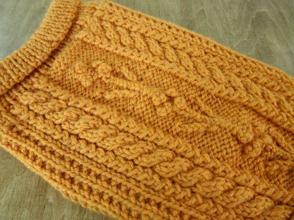 私の編んでいるセーターは、家にいるわんぱく三兄妹(MIX犬)をイメージしながら、編んだ洋服ですこのセーターは一番おとなしく、といって、強さもあるポンちゃん(長...|ハンドメイド、手作り、手仕事品の通販・販売・購入ならCreema。