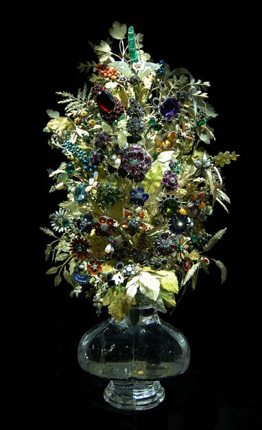The bouquet (with 761 gems and over 2000 diamonds) was a present from Maria Theresa, Archduchess of Austria, to her husband Francis Stephen. The vase is made of rock crystal.   (made around 1760 in Austria or Germany)
